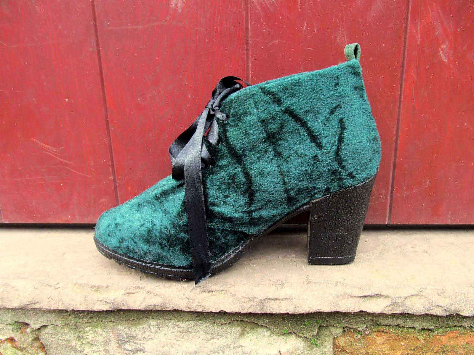 Velvet Shoes 1