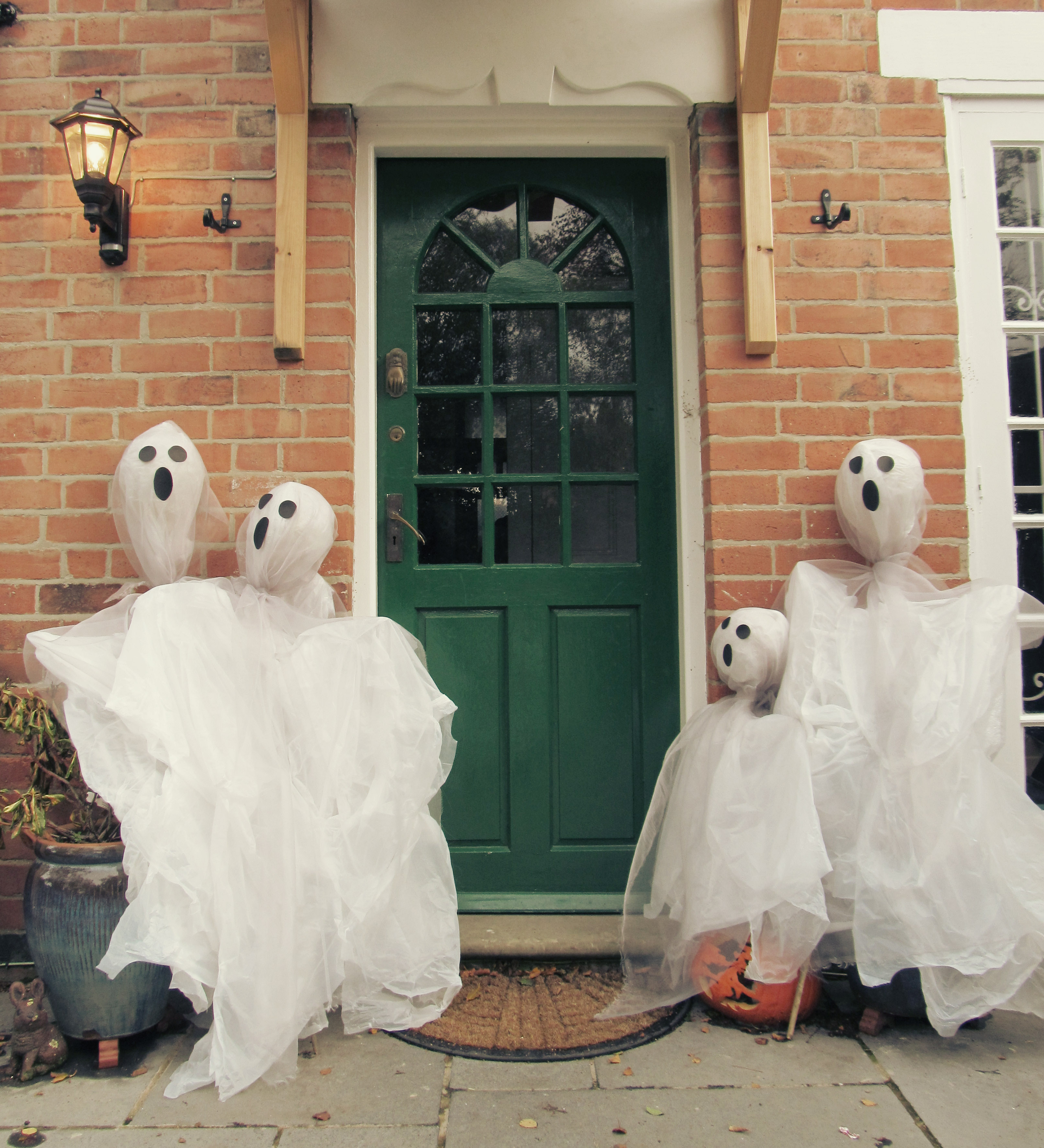 ghost scarecrows 1
